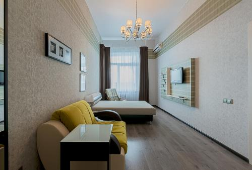 . Apartment on Komendantskiy 21k1