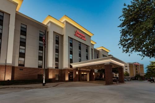 Hampton Inn & Suites Dallas DFW Airport North Grapevine in Grapevine