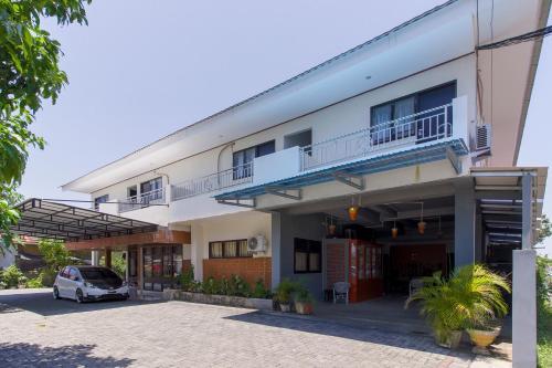 . RedDoorz near Sam Ratulangi Airport