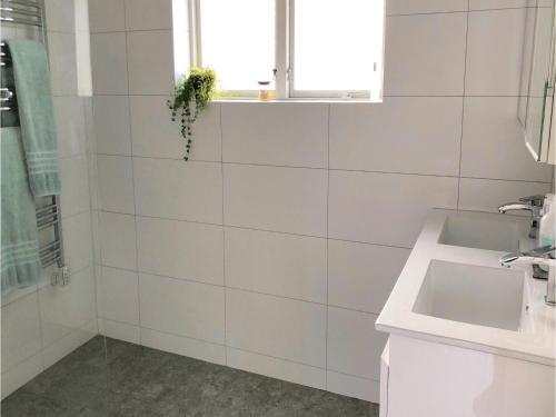 Three-Bedroom Holiday Home in Bromma photo 20