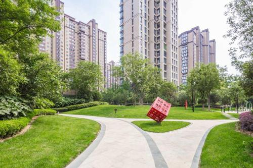 Zhengzhou Zhengdong New District·Zhengzhou East Railway Station· Locals Apartment 00165480
