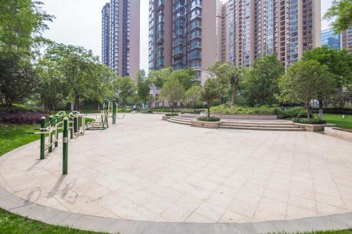 Zhengzhou Zhengdong New District·Zhengzhou East Railway Station· Locals Apartment 00167370