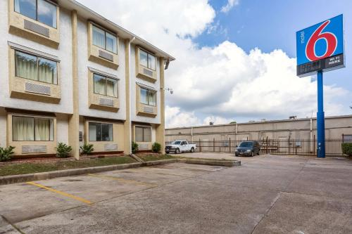 Motel 6 Houston North-Spring