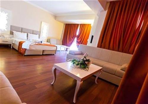 Kemer Grand Mir' Amor Hotel adres