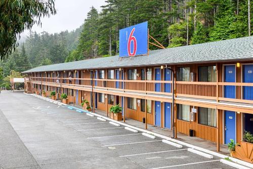 . Motel 6 Gold Beach