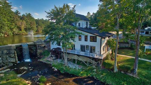 Mill House Lodge - Flat Rock