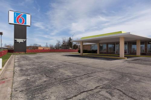 Motel 6 Lincoln, Il - Hotel - Lincoln