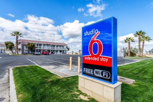 Studio 6-Buttonwillow, CA