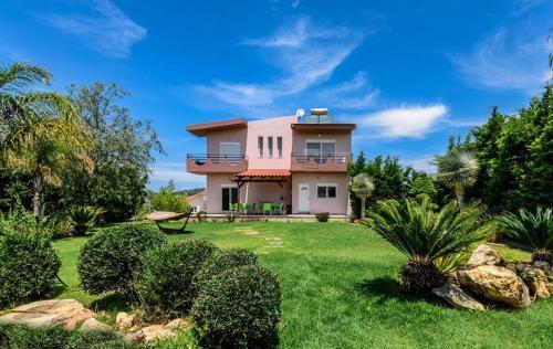 Amazing Villa Near Airport