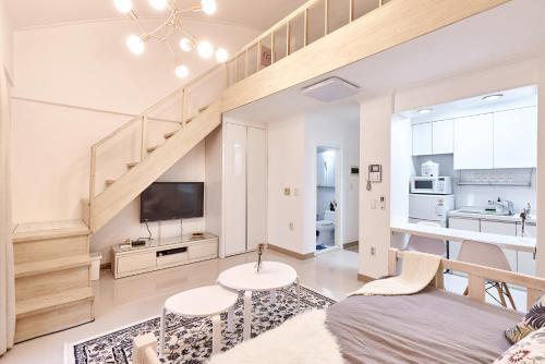 . Oriental Modern Apartment 7
