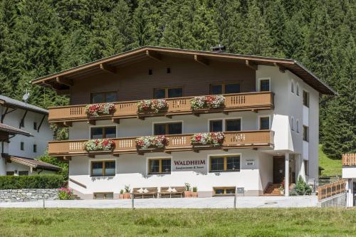 Haus Waldheim - Accommodation - Hintertux