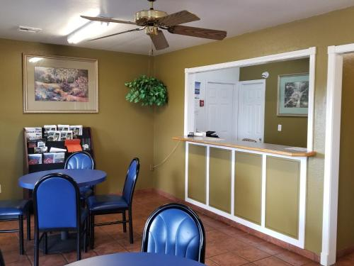 Stay Inn Checotah - Checotah, OK 74426