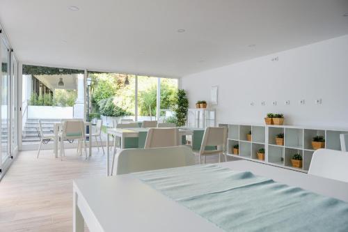 A-HOTEL com - 4U Lisbon Airport Suites, guest house, Lisbon