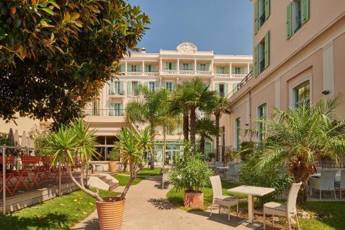 Hôtel Vacances Bleues Balmoral - Hôtel - Menton