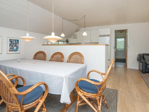Holiday Home Falkevej VI in Henne Strand