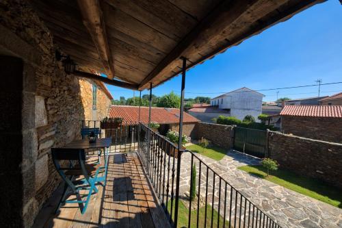 Habitación Superior - 1 cama grande - Uso individual Casa Rural Piñeiro, de Vila Sen Vento 7