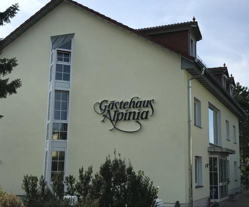 Gästehaus Alpinia (B&B)