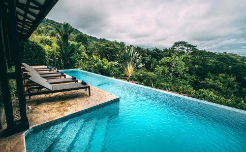 . TikiVillas Rainforest Lodge - Adults Only