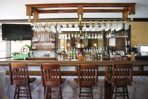 The Lucerne Inn - Holden, ME 04429