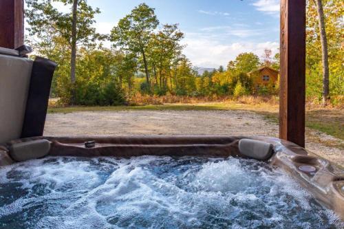 Vacation: Woodland Way Retreat - Bethel, ME 04217