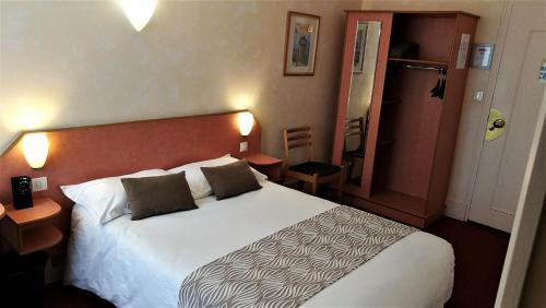 __{offers.Best_flights}__ Nouvel Hotel