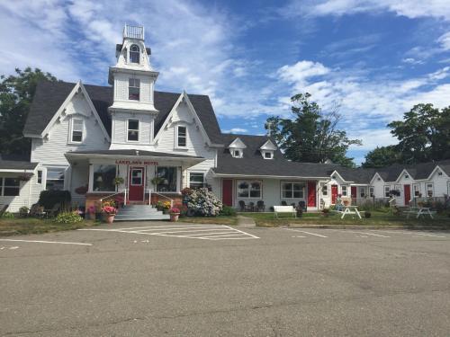 Lakelawn BandB And Motel