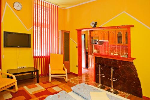 Natalie Apartments Номер-студио с двуспальной кроватью (2 взрослых)