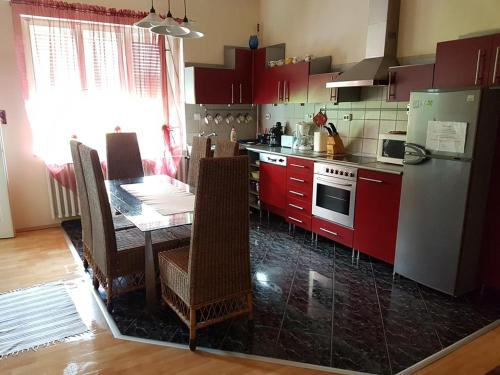 Apartamento con 4 dormitorios (Four-Bedroom Apartment)