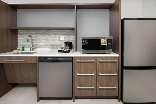 Home2 Suites By Hilton Longmont Co - Longmont, CO 80501