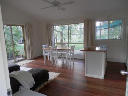 . Wondai Hideaway Apartment