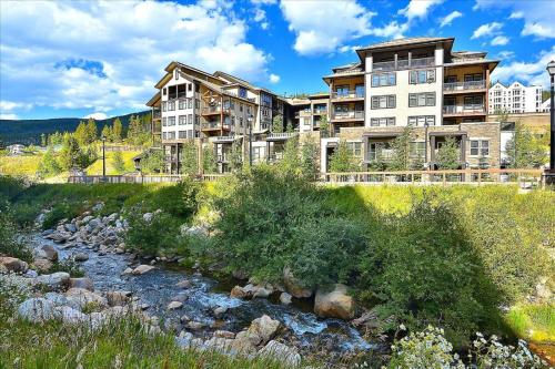 Resort Base Village Ski In Ski Out Luxury Condo #4475 With Huge Hot Tub & Great Views - FREE Activities & Equipment Rentals Daily - Winter Park