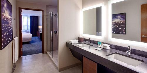 Hyatt Regency Minneapolis - Minneapolis, MN 55403