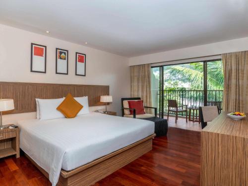 Novotel Phuket Surin Beach Resort room photos