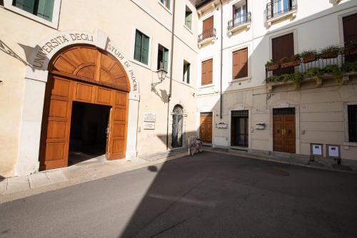 Pigafetta Apartment - Vicenza - book your hotel with ViaMichelin