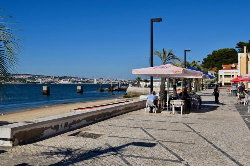 Fisherman's House - a boat ride from Lisbon, Almada