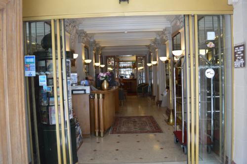 Hotel Royal Elysées photo 25
