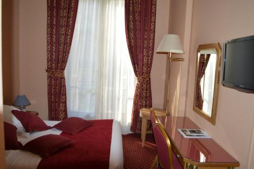 Hotel Royal Elysées photo 31
