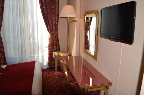 Hotel Royal Elysées photo 34