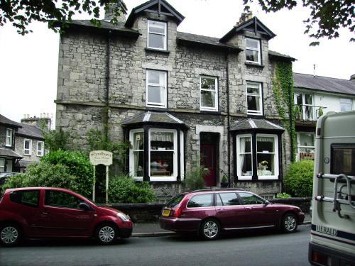 Lyndhurst Guest House (B&B)