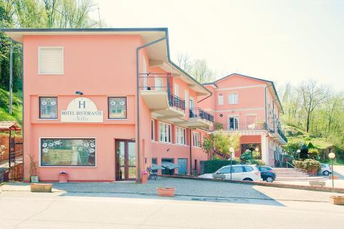 . Hotel Nella