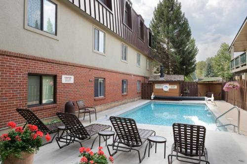 Silverglo Condominiums Unit 209 - Aspen, CO 81611