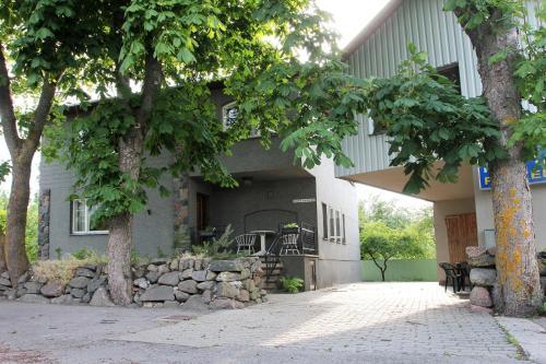 Kraavi Guest Hostel
