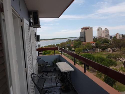 . DEPARTAMENTO CORRIENTES VISTA AL RIO, PARQUE CAMBA CUA