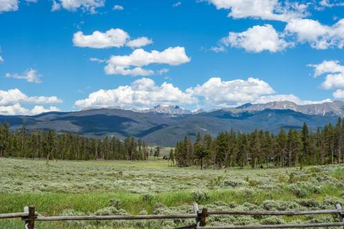Foothills Lodge And Cabins - South Fork, CO 81154