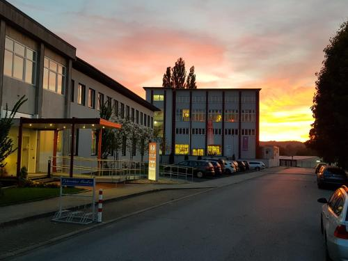 . Ruhr Inn Hotel