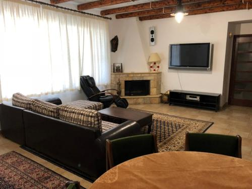 Comfortable luxurious apartment near airport and beaches camera foto