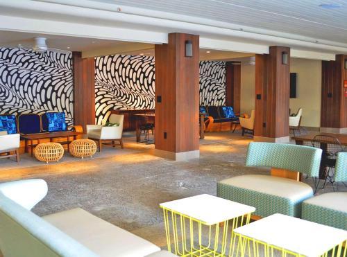 The Surfjack Hotel & Swim Club - Honolulu, HI HI 96815