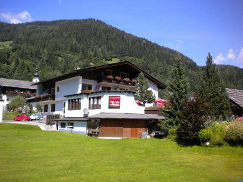 Gästehaus Sagmeister - Accommodation - Bad Kleinkirchheim