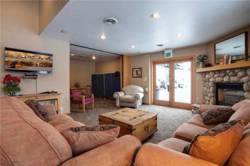 Rockies Condominiums - R2125 - Steamboat Springs, CO 80487