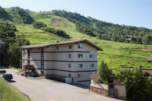 Storm Meadows 300-400 at Christie Base - SM323 - Steamboat Springs, CO 80487